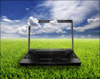 laptop_on_grass-400