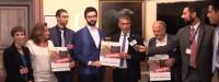 Consegna 100mila firme #EmergenzaClimaticaItalia